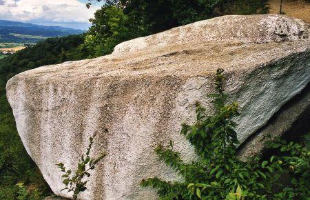 Der U201eWeiße Steinu201c (Hier Sieht Man Schon Starke Verschmuztungen Auf Seiner  Oberfläche/Pichler, PA)
